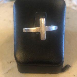 Silpada Cross Ring size 10 3/4